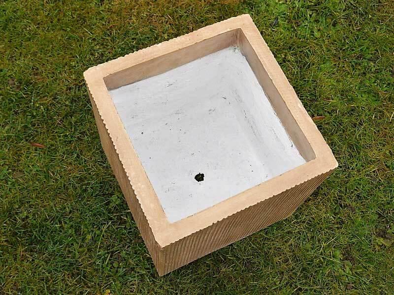 Bei der Außennutzung nicht vergessen: Abläufe für Pflanzkübel | bei ...