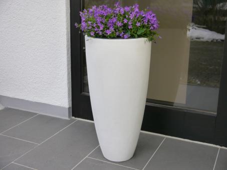 Pflanzkübel CIGAR aus Fiberglas in perlweiß