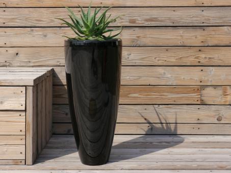 Blumenkübel CIGAR aus Fiberglas in Hochglanz schwarz