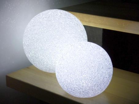Dekokugel MOON Ø20cm aus Kunststoff, LED beleuchtet, weiß