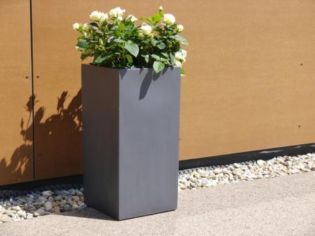 FERTIGSET: Pflanzkübel mit Einsatz aus Fiberglas in anthrazit 30x30x60 cm