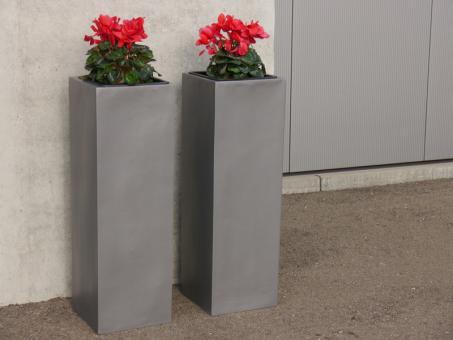 Pflanzkübel aus Fiberglas in grau-metallic - hoch