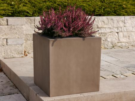 Pflanzkübel aus Fiberglas in terrabraun 30x30x30 cm