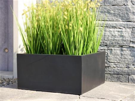halbhoher Pflanzkübel MEZZO aus Fiberglas in schwarz-anthrazit