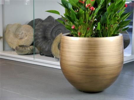 Pflanzkübel YOKO aus Fiberglas in Hochglanz bronze meliert 38x38x36