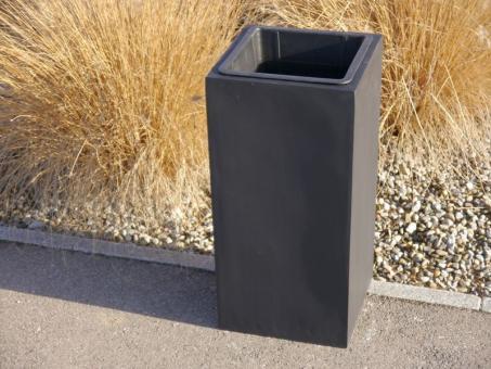 FERTIGSET: Pflanzkübel mit Einsatz aus Fiberglas in schwarz-anthrazit 38x38x70 cm