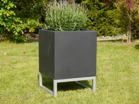 Untergestell für Pflanzkübel 40cm, zur besseren Präsentation 40x40x15