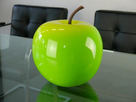 Deko-Apfel aus Fiberglas in Hochglanz hellgrün