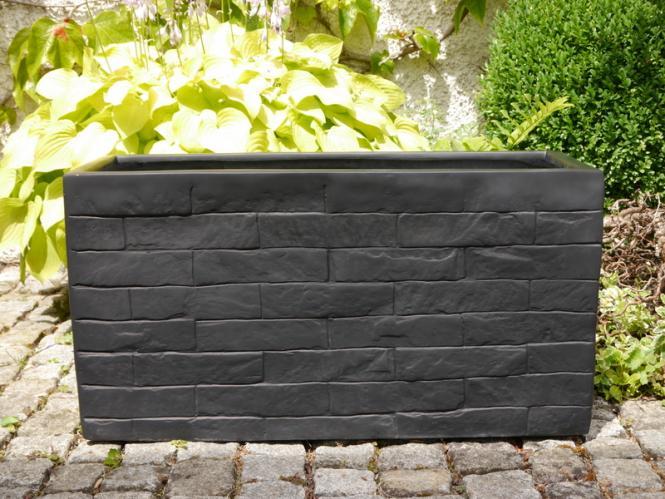 wall pflanztr ge pflanzk bel pflanzgef e aus fiberglas wie orig mauergestein granitschwarz. Black Bedroom Furniture Sets. Home Design Ideas