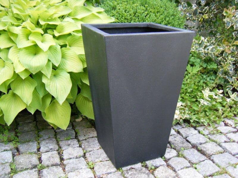 Blumenkübel FAB aus Fiberglas in schwarz-anthrazit | bei east west ...