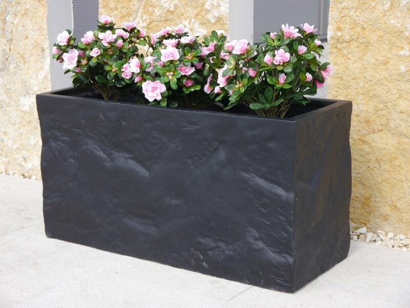 Pflanztrog BLOXX aus Fiberglas wie orig. Granitgestein in schwarz ...