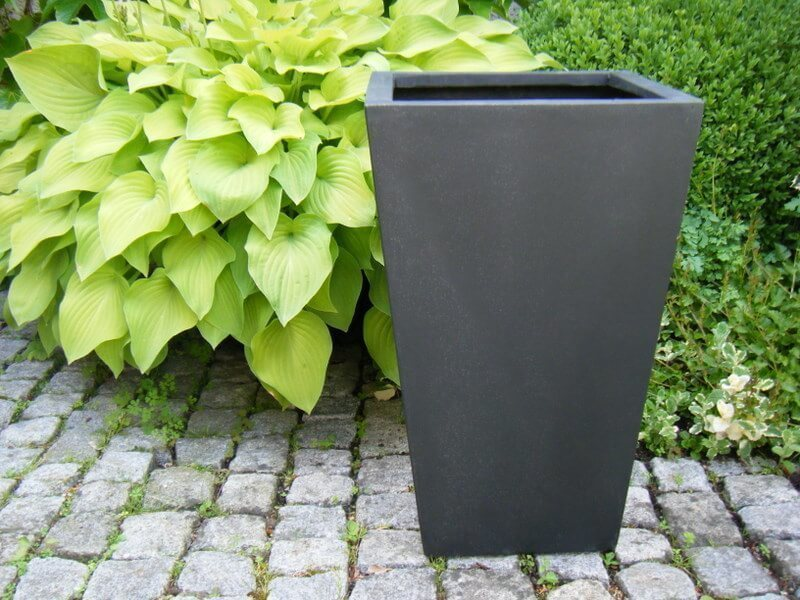 blumenk bel fab aus fiberglas in schwarz anthrazit bei. Black Bedroom Furniture Sets. Home Design Ideas