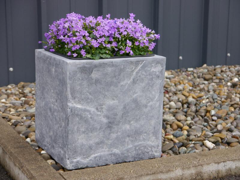b ware pflanzk bel pflanzgef e aus fiberglas wie orig naturgestein 30x30x30cm bei east. Black Bedroom Furniture Sets. Home Design Ideas