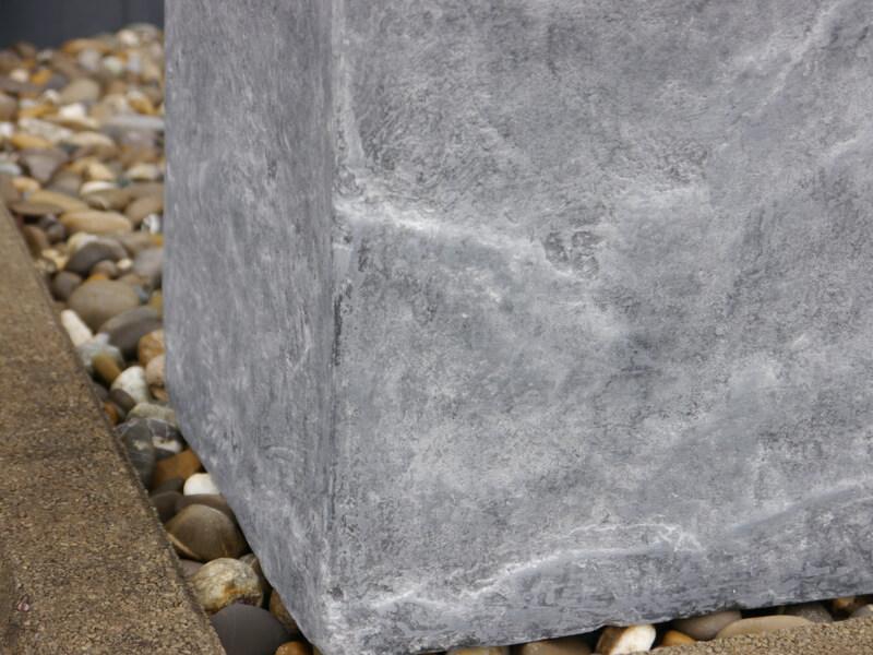 blumenk bel rocks aus fiberglas wie orig naturgestein in grau 50x50x50 cm bei east west trading. Black Bedroom Furniture Sets. Home Design Ideas