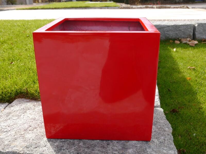 pflanzenk bel hochglanz in farbe rot oder gr n. Black Bedroom Furniture Sets. Home Design Ideas